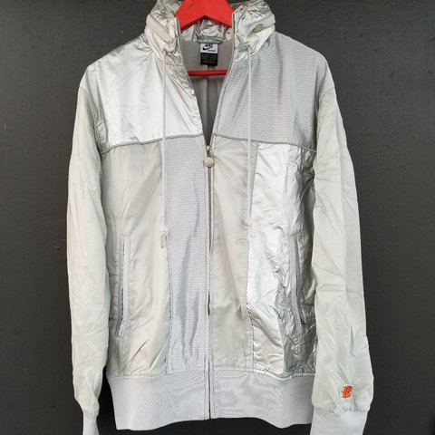 d251e6f7d2d9 Like New Nike Shoe Box Full Zip Light Jacket Windbreaker w w - Depop