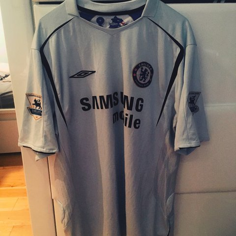 d357c8fa8bd Chelsea FC away shirt from 2005 06 season with number 8 on - Depop