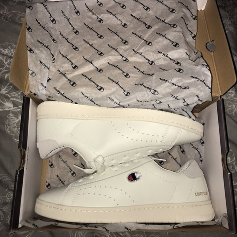 17728f2cbcd37 MENS CHAMPION COURT CLUB TRAINERS - SIZE 8.5 BRAND NEW WITH - Depop
