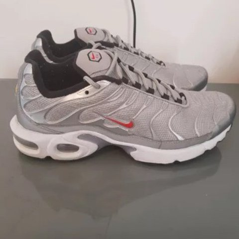 Nike TN Size 8 can fit size 7 to 8 • 7