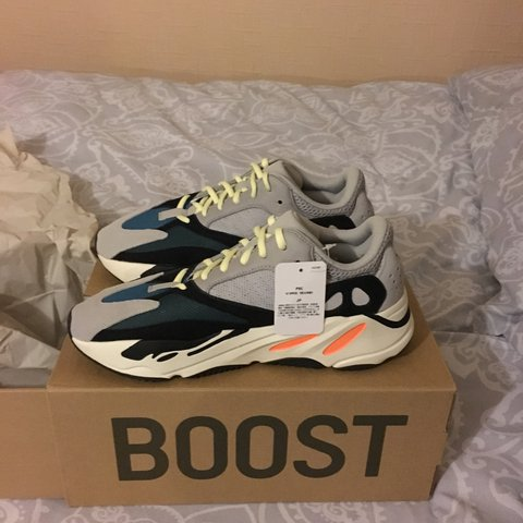 48e364a8b7c YEEZY WAVE RUNNER 700 UK size 9.5. Extremely rare release of - Depop