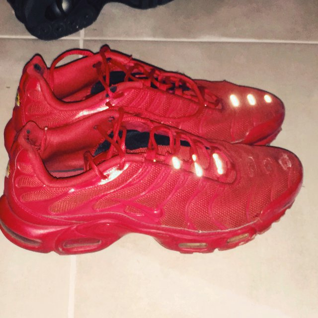 Triple Red Nike Tuned tns ( Lava ) Size