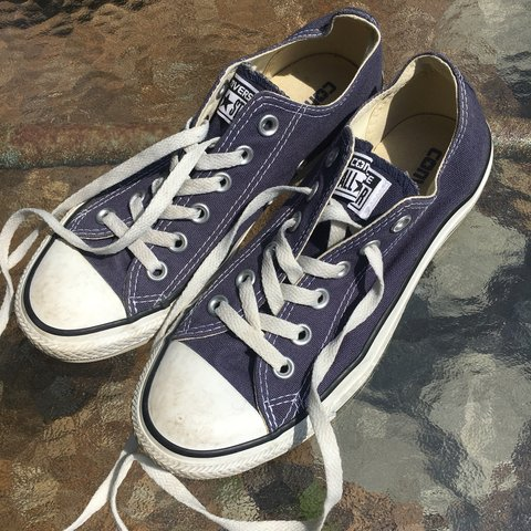 e3dd7edca90304 💖FREE SHIPPING💖 Navy blue Converse all star low tops! - 5