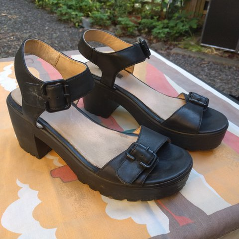 ba3087ee22f6 Black topshop platform buckle sandals with chunky heel. 90s - Depop