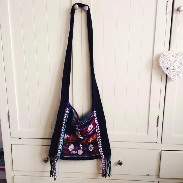 159d704685 Vintage aztec beaded fringe shoulder slouch bag perfect for - Depop