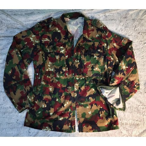 4bf2b84f1cb51 Swiss Alpenflage camo collared military field jacket. Comes - Depop