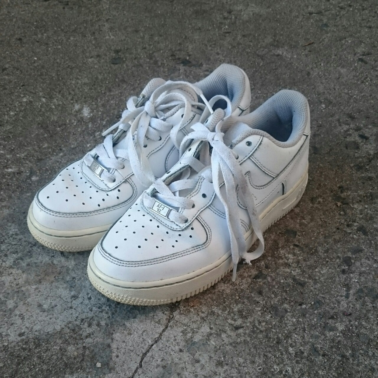 air force 1s low top white