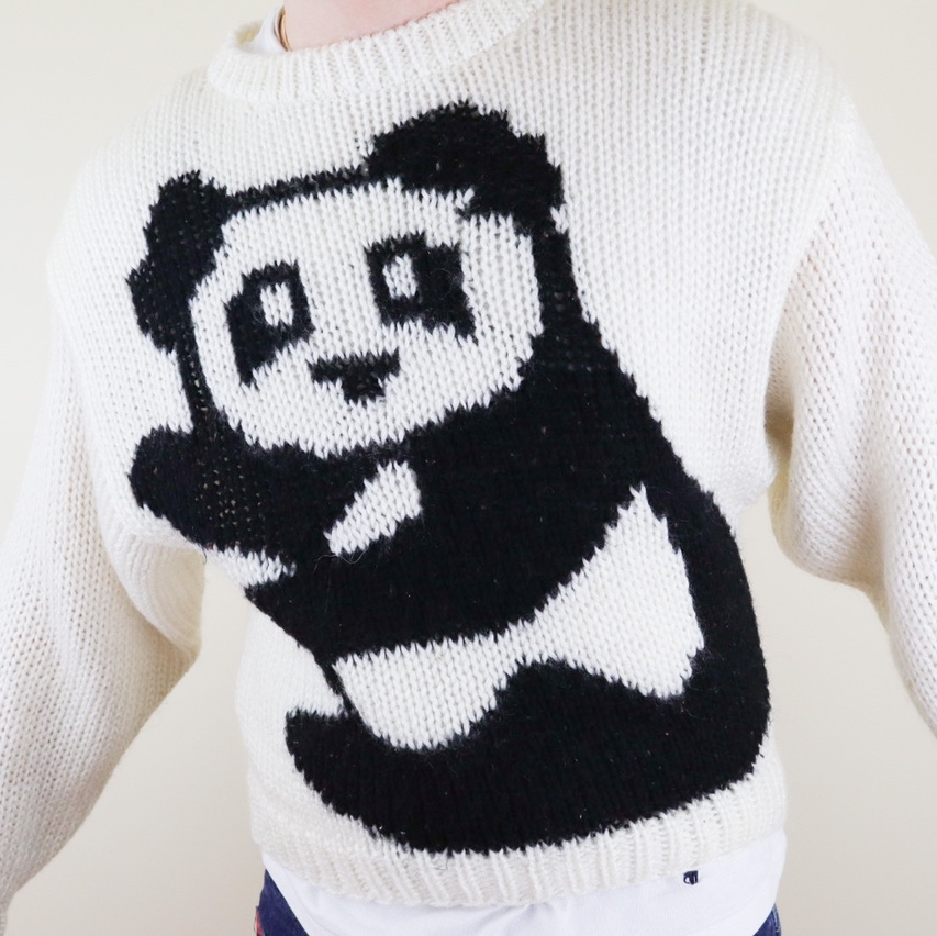 Cute vintage knitted panda graphic sweater