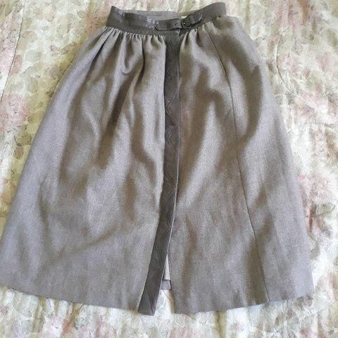 8ea3057eb8e1 Incredible condition wool with leather trimming midi skirt. - Depop