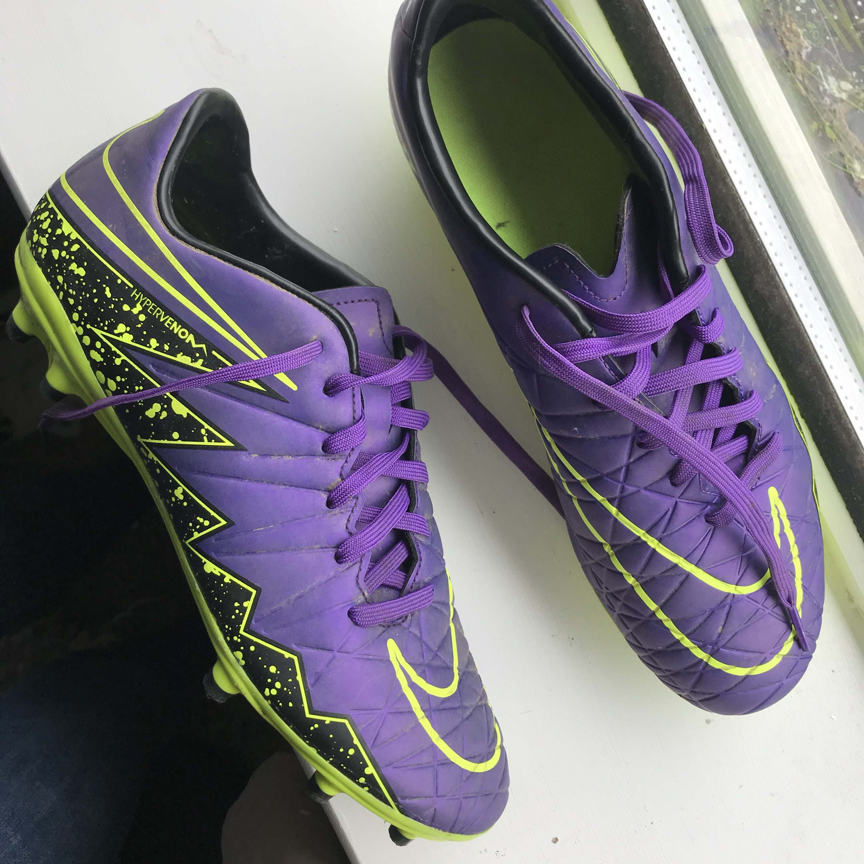 sports shoes 8acec cd679 purple and green Nike hypervenom studded football... - Depop