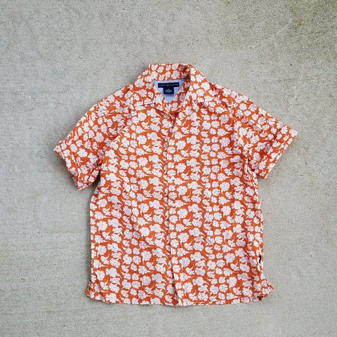 4ac835b8 Tommy Hilfiger floral button up Orange pop perfect for With - Depop