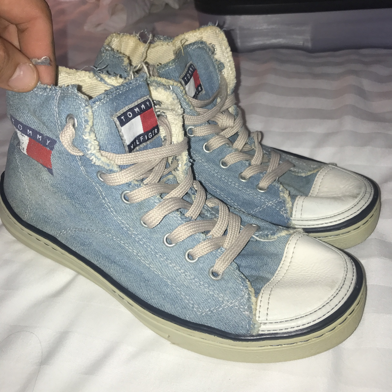 Tommy Hilfiger shoes trainers converse style Very Depop