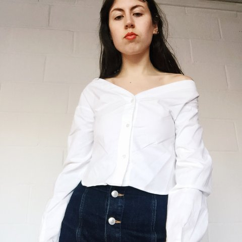1d813e237f @frenchiejane. last year. London, United Kingdom. Jacquemus off shoulder  white blouse ...