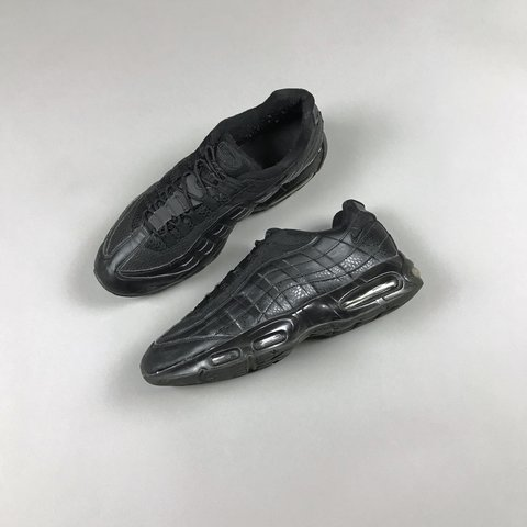 eaba69383d9113 Nike air max 95 triple black Good condition Size 11  95 - Depop