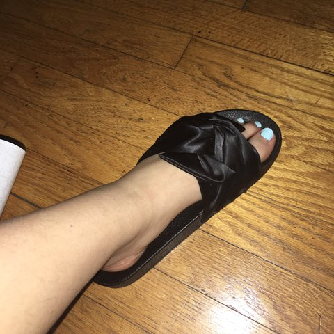 a2d6c5ea30b these are suchhh a cute pair of Steve Madden slides. I m not - Depop