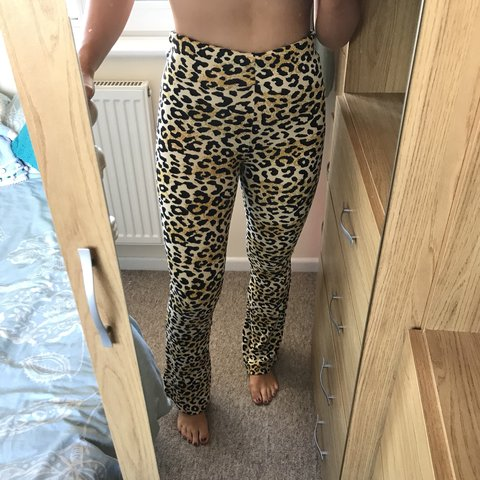 24353c0e026b4b @bethanyjayw. 10 months ago. Wareham, United Kingdom. Topshop leopard print  yellow and black kick flare trousers size 8