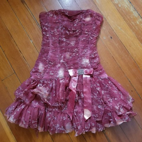 eb1bfb6bcf6 Definitely unique creepy dress. So this dress was a plain i - Depop