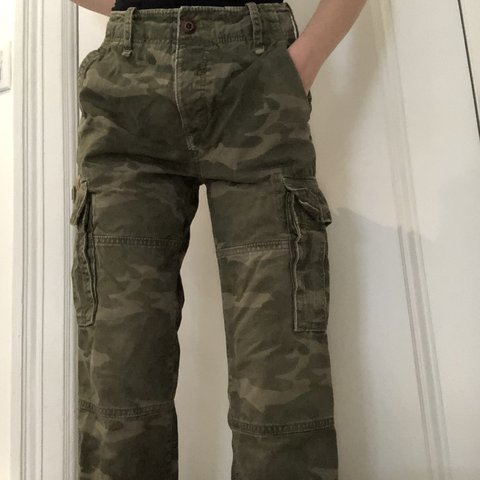f490dacf76 @messyroom. last year. New York, United States. Men's vintage cargo army  pants. By American eagle.