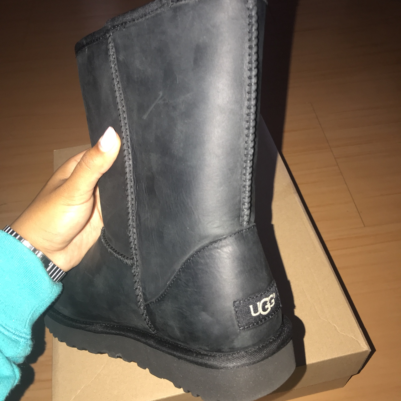 short leather uggs