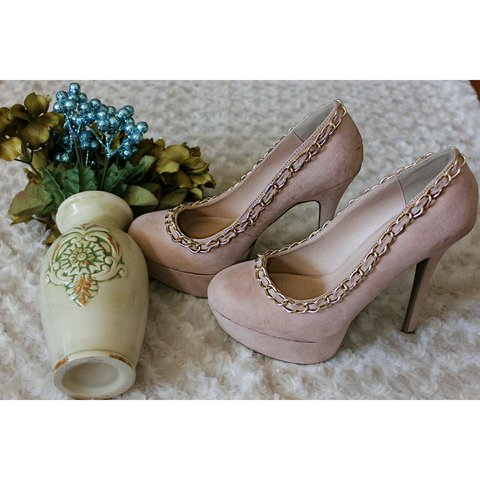 8cefe9db9f5a8 Dope blush pink heels. Cool chain detail around the top. 6 - Depop