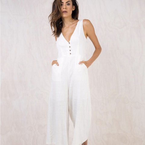 903689c447fa Ivory Jumpsuit. Perfect for any occasion  ) Size 8 - Depop