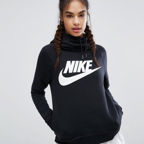 be9c4afc3e6a Nike rally pullover hoodie in NAVY! Funnel neck with large - Depop