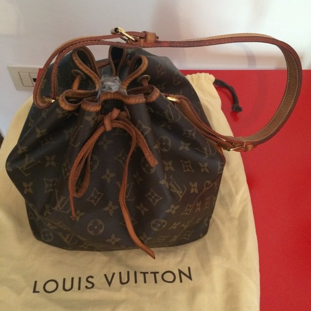68a19bbbe6 Vendo borsa Louis Vuitton ORIGINALE, modello petit noe, bag, - Depop