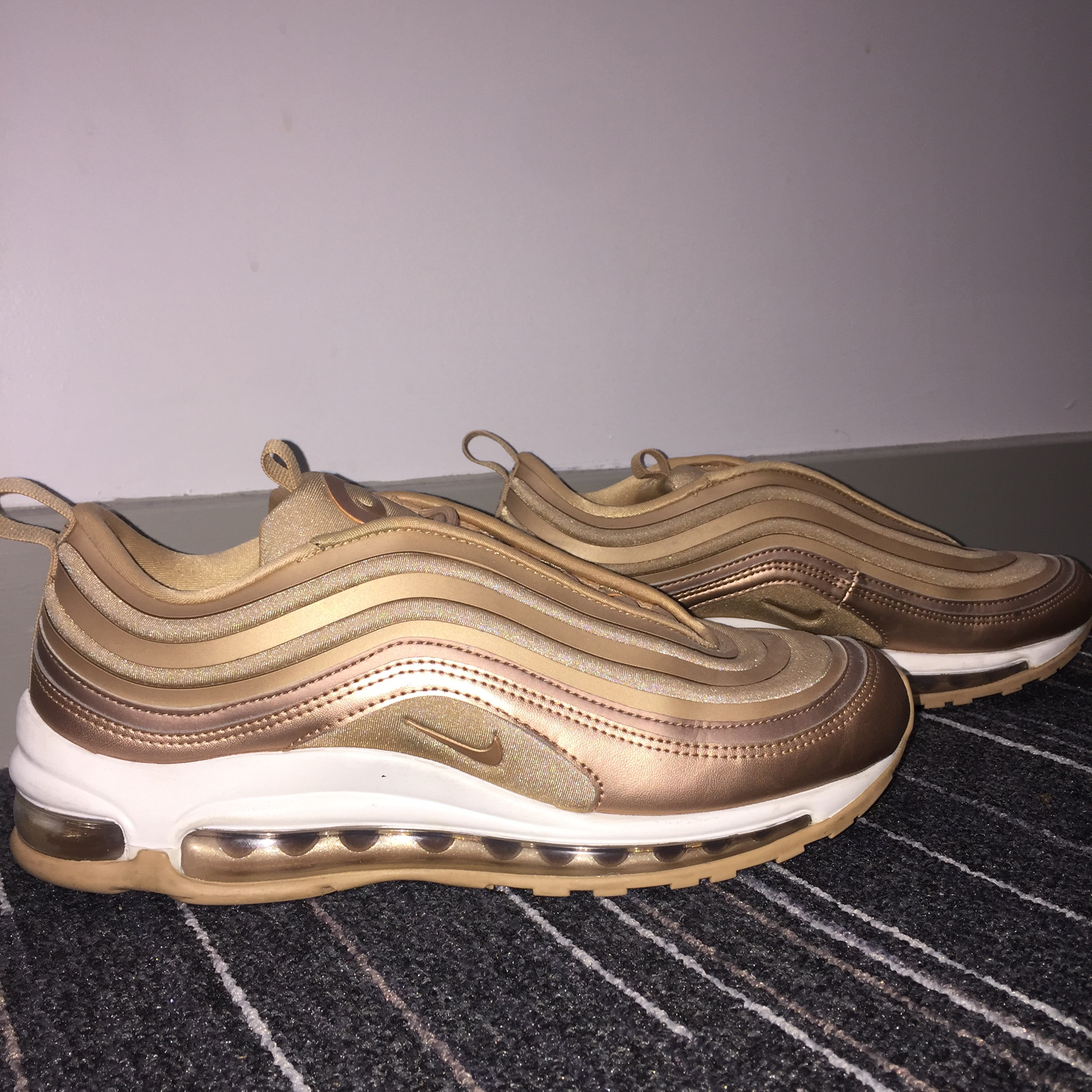 Nike Air Max 97 Rose Gold Size 5 NWT
