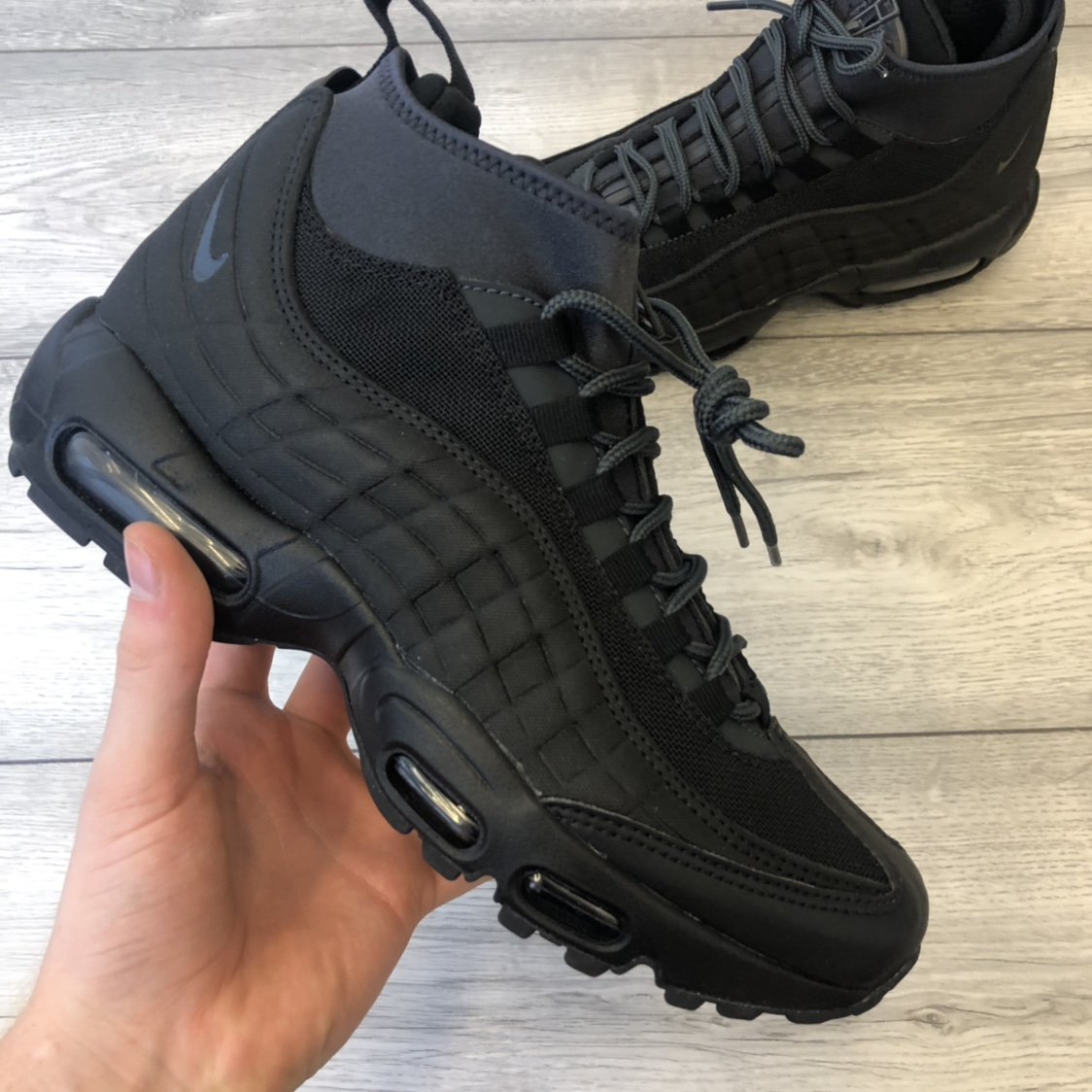 NIKE AIR MAX 95 SNEAKERBOOT , BLACK TRAINERS , SIZE...