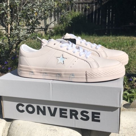 76bc552e753 💒 NWT ILLEGAL CIV CONVERSE 💒 -never been worn -baby pink - Depop