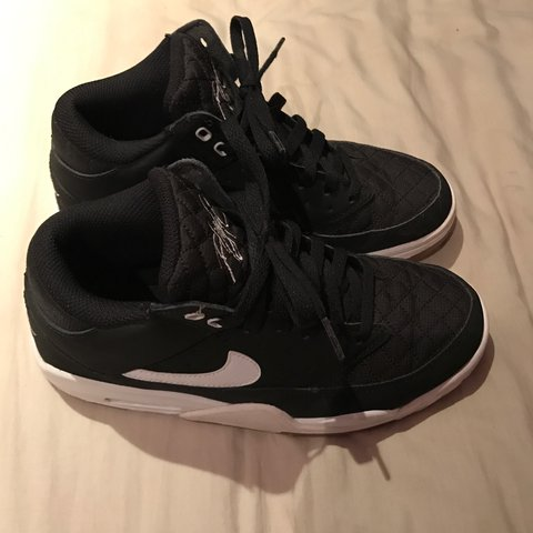 the best attitude 58510 f2744 PRICE DROP!! Black Nike Flights, only selling if can get a - Depop