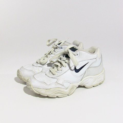 hot sale online be04b 31add Vintage white Nike Airliners- 0
