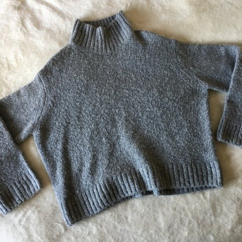 4c866acf3a1 H M woolly grey jumper    Size small but its quite oversized - Depop