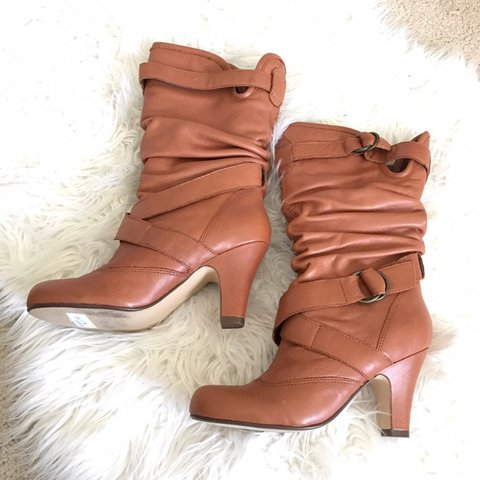 5e8469c63eb Steve Madden size 8 slouch boots Has been worn yet still in - Depop