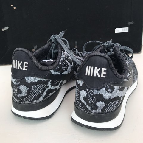 8896c353ab12 NIKE LEOPARD PRINT TRAINERS AS SEEN ON SAM FAIERS UK SIZE - Depop