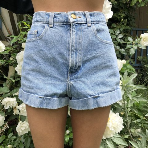59358f1055 @lottiehg. last year. Los Angeles, United States. Classic American apparel  shorts.