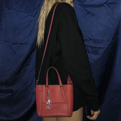 54197c19b7 Beautiful cherry red GUESS purse🍒 this retails for  60