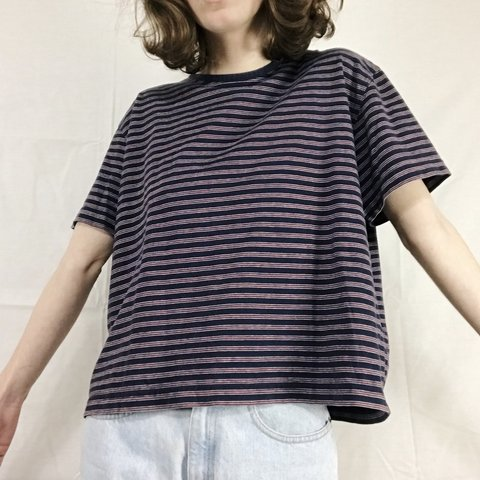 781e47c331 Vintage boxy striped tee! 🌟 navy with small red and white a - Depop