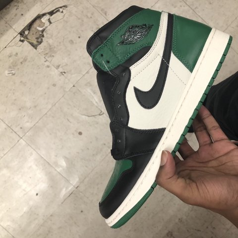 """2b7a25be364c DS Jordan 1 """"Pine Green"""" Size 11 BRAND NEW IN THE  Retro - Depop"""