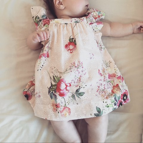675a64cc4ef3 Zara baby girl dress 0-3 Months. Worn Twice. Excellent - Depop