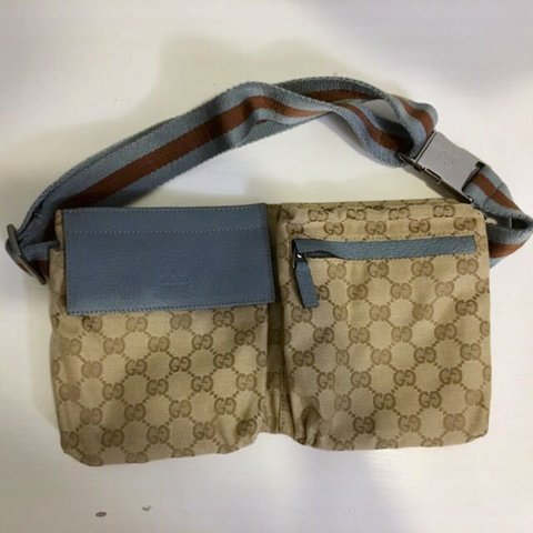 258cbb51003131 [🐬RARE] GUCCI Waist/Bum Bag in GG Supreme Monogram ((ON and - Depop