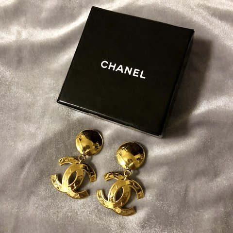 cac64ed2502d  🌟 RARE  CHANEL Vintage Clip On Drop Earrings (FREE Iconic - Depop