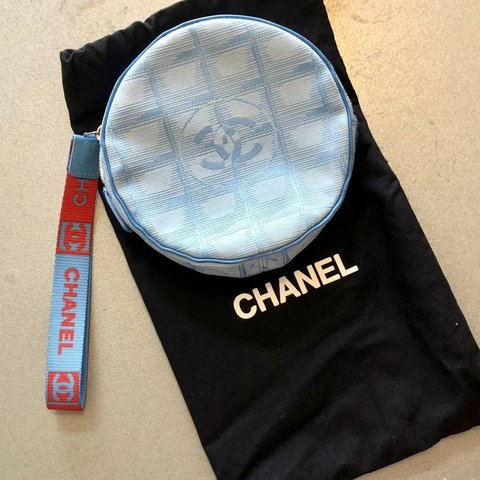 66fcc070aeb0  🔥 RARE  CHANEL Travel Line Round Clutch Bag (FREE Vintage - Depop