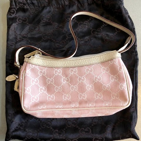 4d5df367b0b 🌸 GUCCI Jolicoeur Pochette Clutch Bag ((ON HOLD)) 👑 baby - Depop