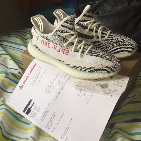225c1abb61828 Adidas Yeezy boost 350 V2 Zebra 100% Authentic with box
