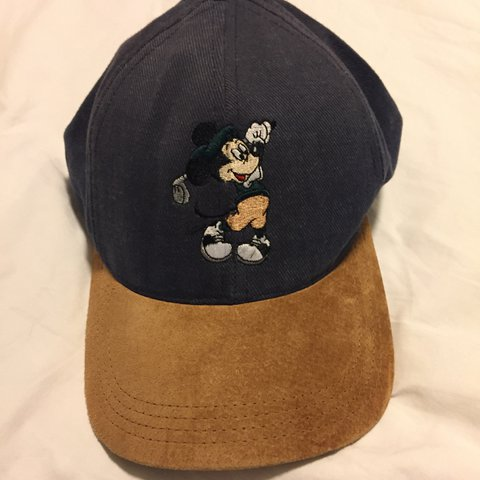 Disney PRO Collection Vintage Mickey Mouse Golf Hat! 🔥🔥🐭 - Depop 03bda0e0b86
