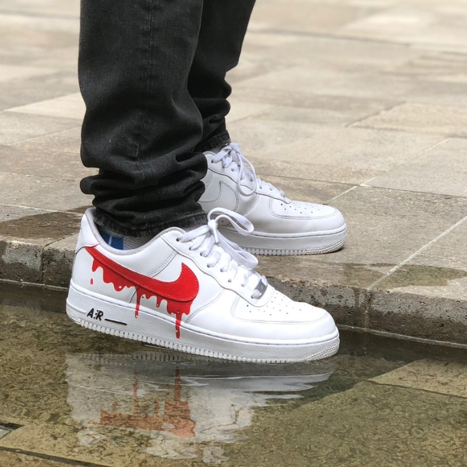 NIKE AIR FORCE 1 BLOODY DRIP SPECIAL