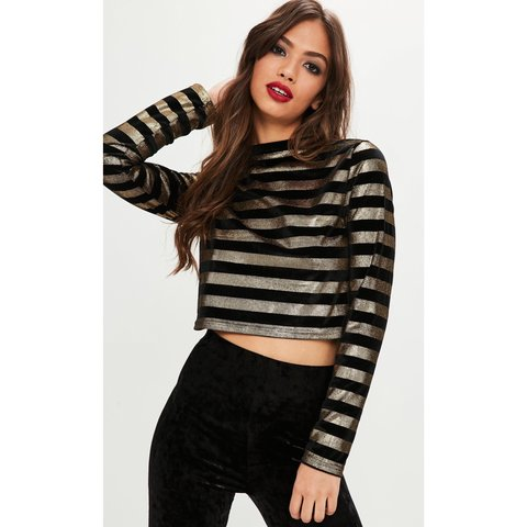 d5095cd26bf @xnadiaxx. 4 months ago. Whitehaven, United Kingdom. Metallic Striped Crop  Top