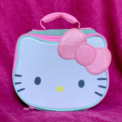 af8e19f15 the sweetest little bag!!! this gorgeous hello kitty is big - Depop
