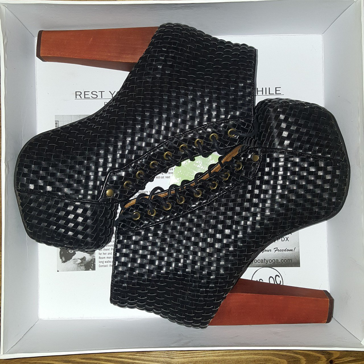 5f4622900fa5 Authentic Jeffrey Campbell Woven Black